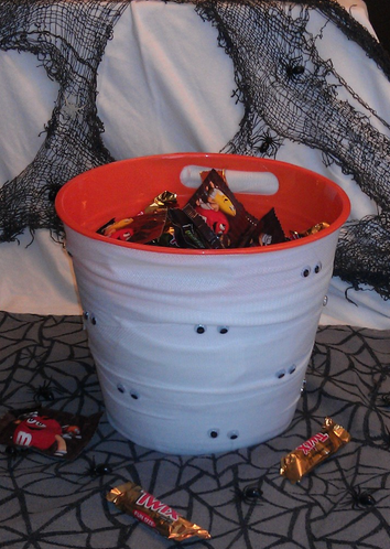 halloween mummy bucket