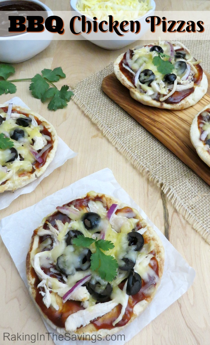 Looking for something different for lunch or dinner? Check out these super easy BBQ chicken pizzas!